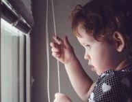 Stores et rideaux : dangers pour les enfants