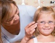 Des lunettes pour les moins nantis