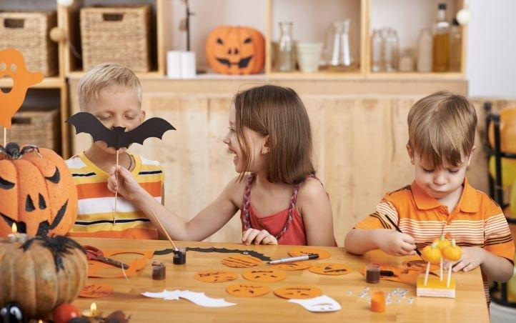 Bricolages d'Halloween avec des rouleaux