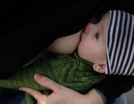 Le lait maternel : une arme contre les microbes
