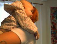 Faire faire le rot de bébé - Vidéo