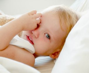 10 tips to facilitate bed time when baby refuses to sleep