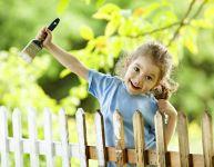Idées de tâches extérieures pour les enfants
