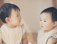 10 choses à ne pas dire aux parents de jumeaux