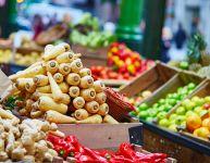 Visiter un marché public avec les enfants