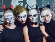 Un masque d'Halloween qui fait peur aux enfants : bra-vo champion!