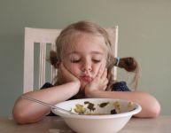 Mon enfant ne mange pas : quand l'heure du repas est un calvaire