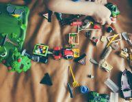 Comment le jeu permet à votre enfant d'être prêt à l'école