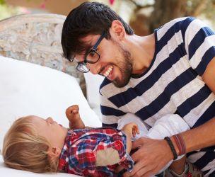 Nouveau sondage sur la paternité : les papas bien dans leur rôle