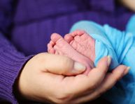 Soutenir les familles touchées par la prématurité