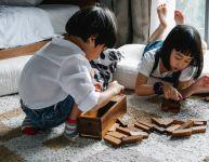 4 façons d'encourager votre enfant à être gentil avec ses frères et soeurs