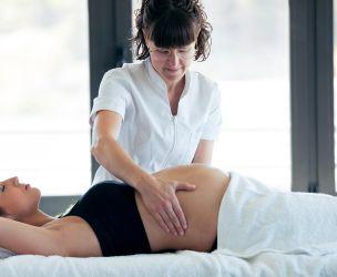 La massothérapie, une alliée pour la femme enceinte ?